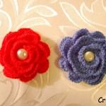 Broszki – kwiatki na szydełku