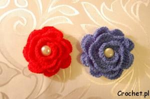 broszki - kwiatki na szydełku